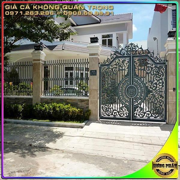 cổng hàng rào nhôm đúc